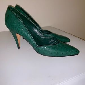 Gucci ostrich kitty heel